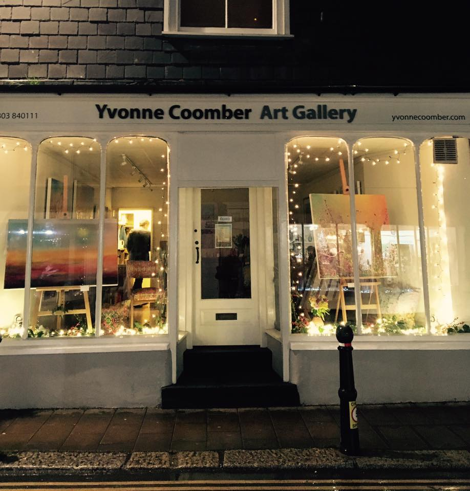 yvonne coomber christmas show